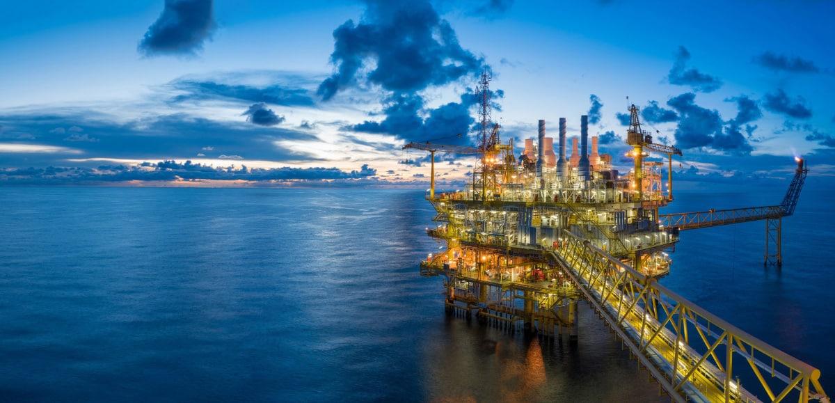 prekyba žalios naftos opcionais 60 sek prekybos strategijos